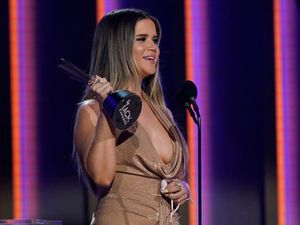 Women dominate Academy of Country Music Awards
