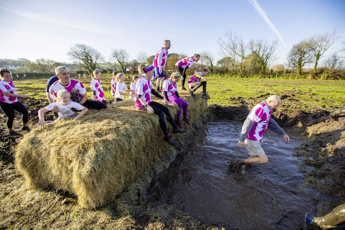 Picture by Sophie Rabey.  29-11-20. Muddy Cow Fun Run Vazon/Grande Mare. (28963046)