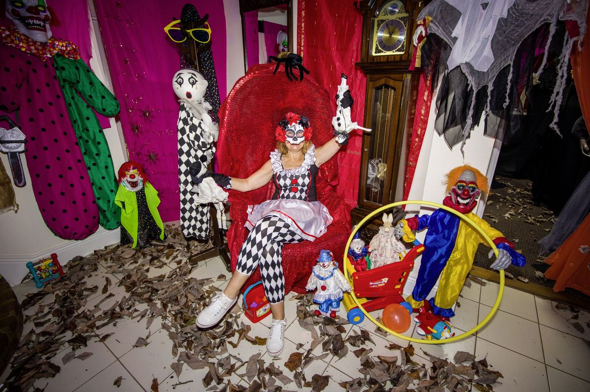 Debbie Duport had to turn to her parents for help as her own home which she has used for Halloween fun for the past two years is full of family. (28834037)