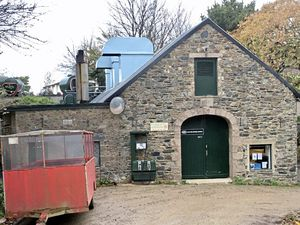 Sark Electricity is threatening to stop generating power at the end of November (28978520)