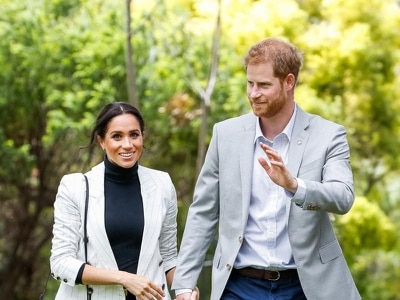 Harry and Meghan visit world's largest sand island as Australia tour continues