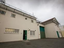 Prison officers face health risks