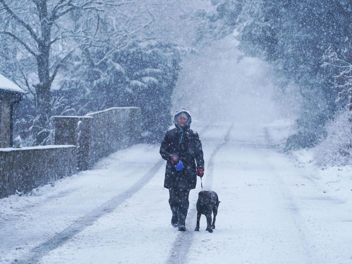 Weather warnings in place as heavy snowfall expected to hit parts of UK