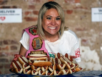 Hot dog champions set world records at famous food fest