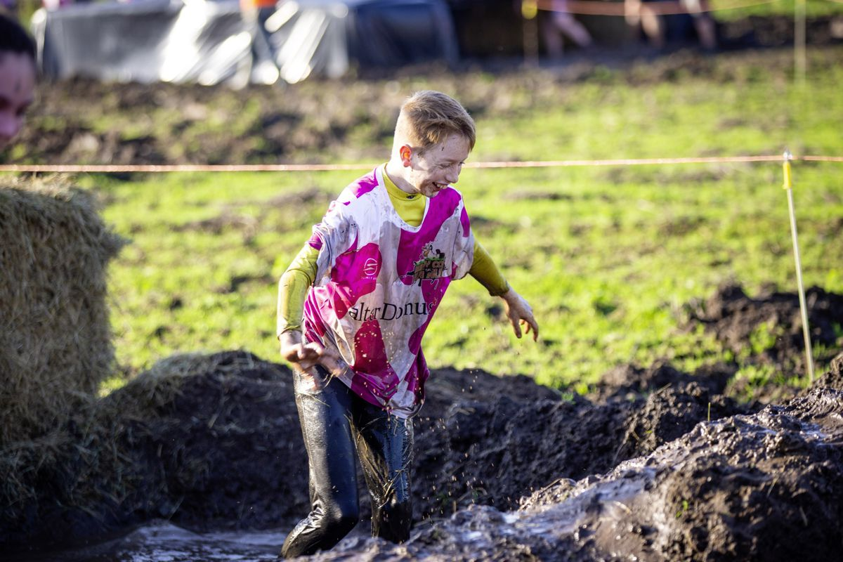 Picture by Sophie Rabey.  29-11-20. Muddy Cow Fun Run Vazon/Grande Mare. (28963006)