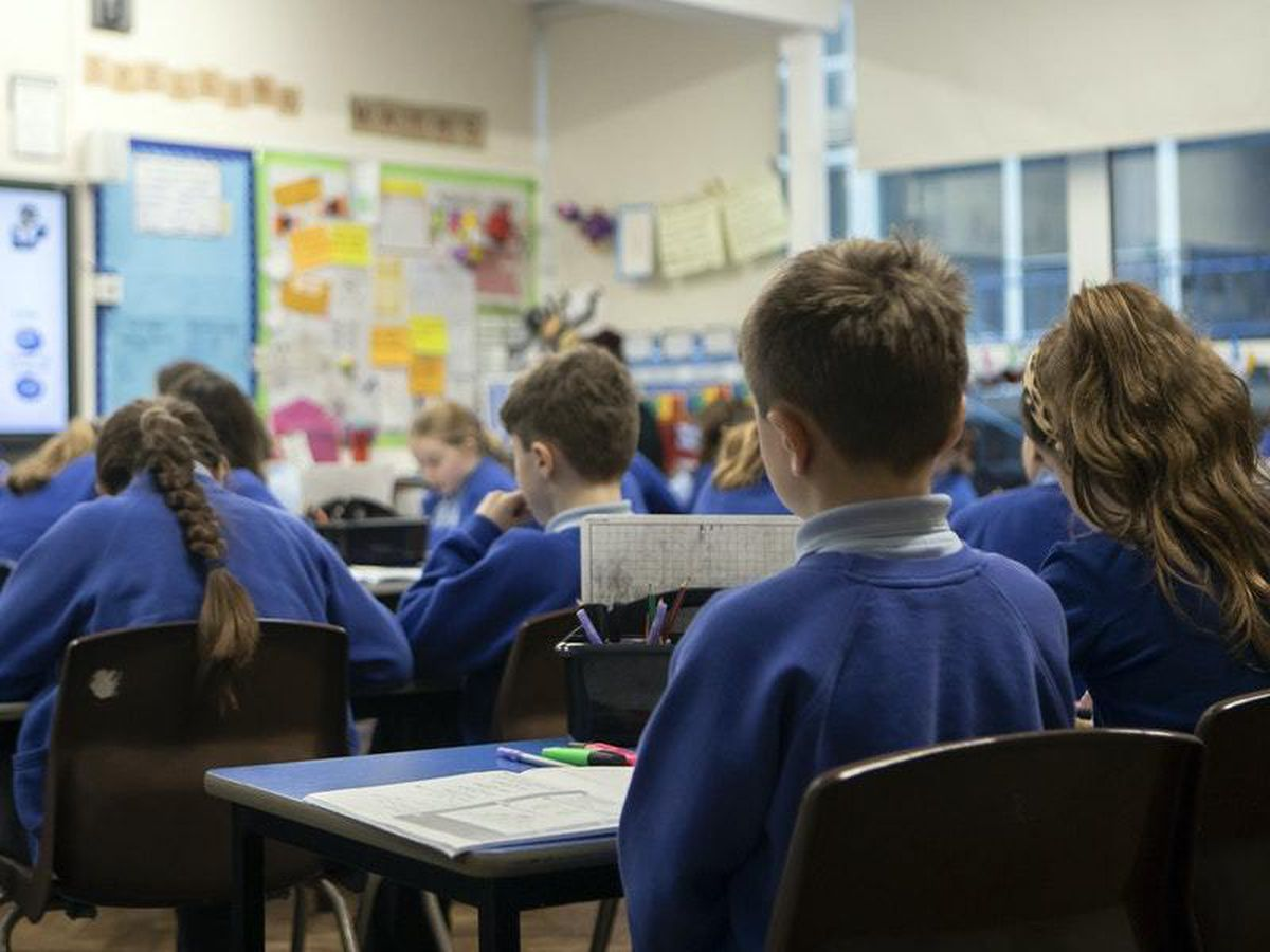 Return to school for secondary students delayed in government u-turn