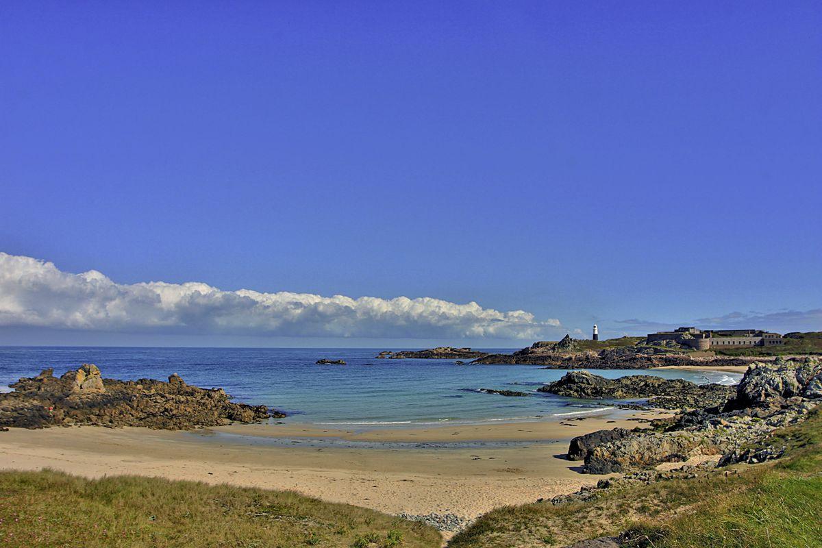 Arch Bay, Alderney (28589168)
