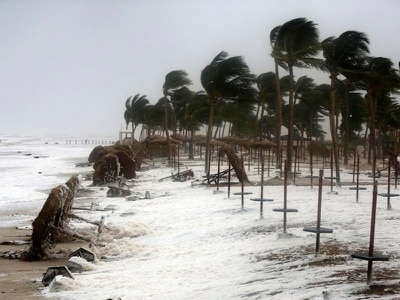 At least three dead as powerful cyclone lashes Oman