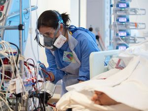 Number of Covid patients in English hospitals up 30% in a week