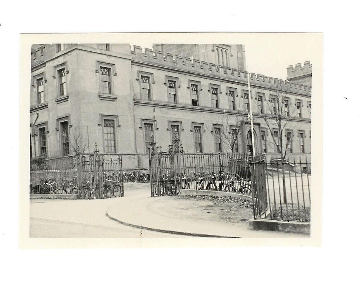 Elizabeth College's gates in about 1955. (28807948)