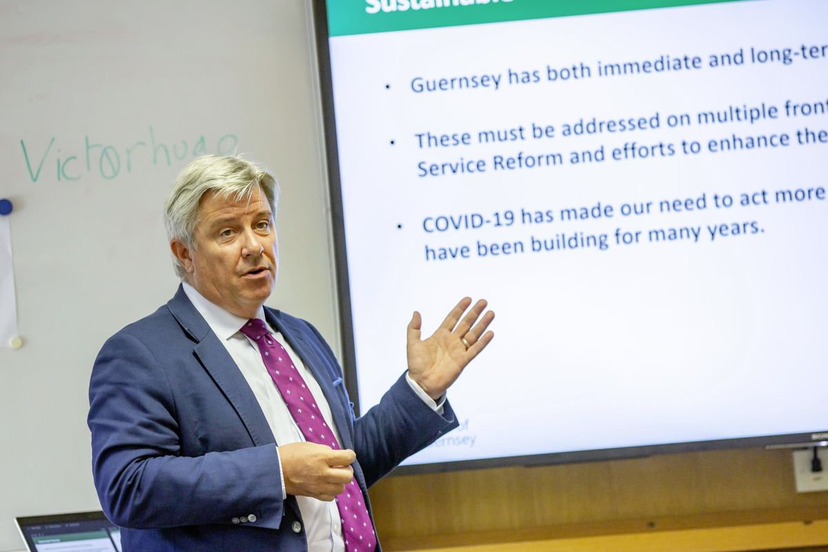 P& R treasury lead Deputy Mark Helyar explaining the situation in a media briefing. (Picture by Sophie Rabey, 29820368)