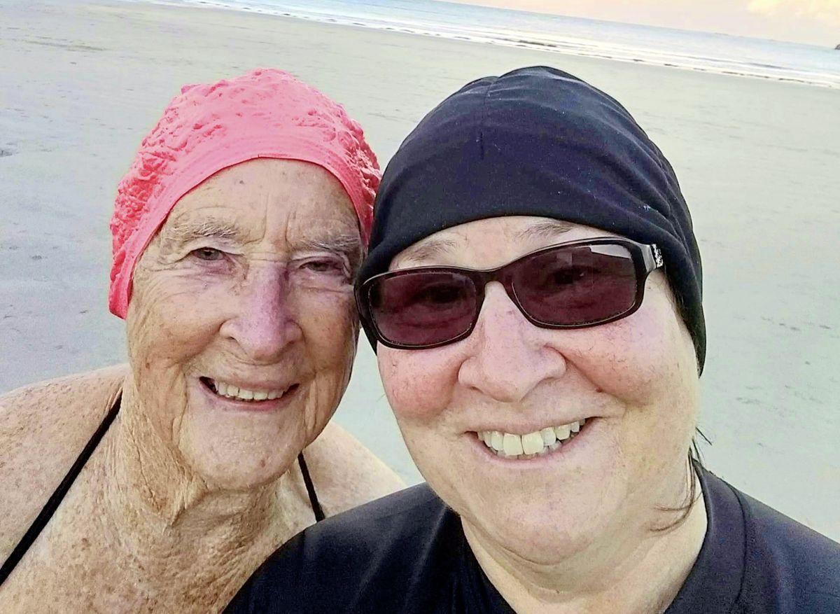 Teresa Elliott aged 86 and her daughter Marcia Mahy. (29024515)
