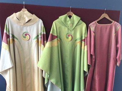 Celtic symbolism on papal vestments revealed
