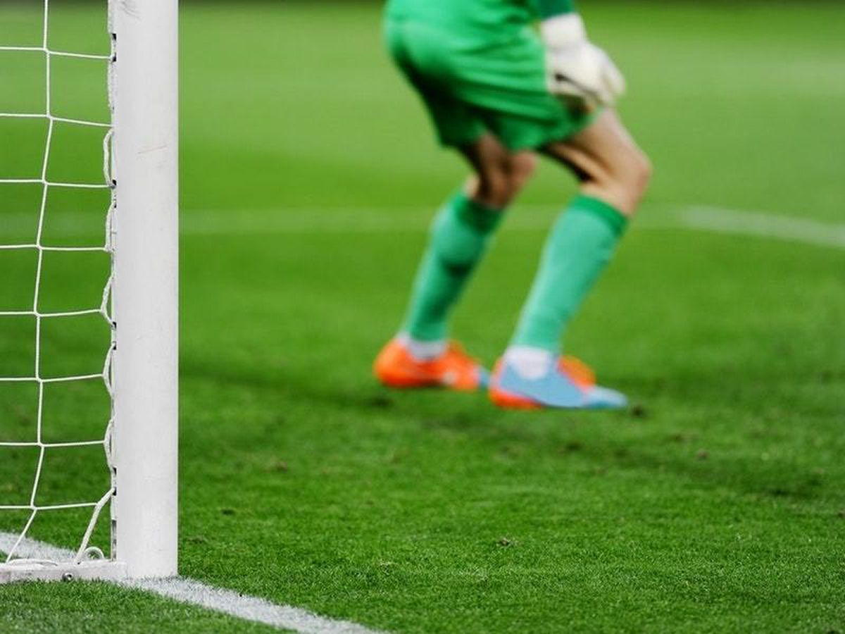 Goalkeeper scores last-minute goal to send team through in Concacaf CL
