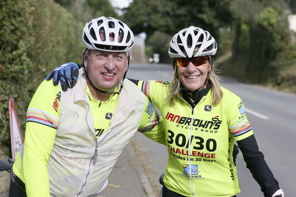 Pic by Adrian Miller 26-09-20 L'Eree Hill. Everest Madness cycling event. Jon Richards and Andrea Nightingale. (28732653)