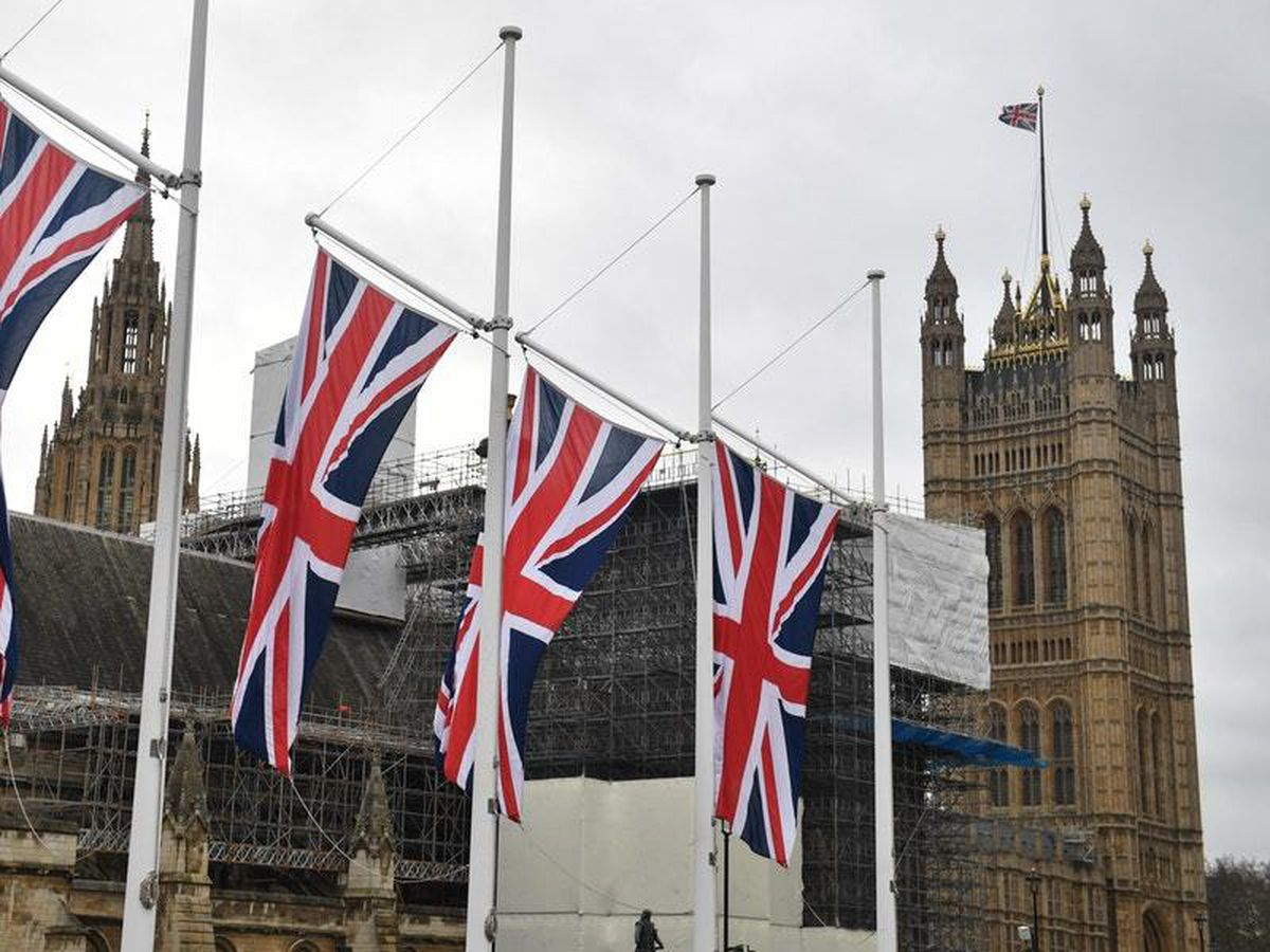 Union flags fly in Parliament Square (28693567)