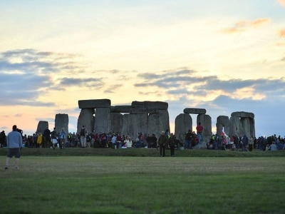 Clear skies gift solstice-watchers with 'perfect morning' at Stonehenge