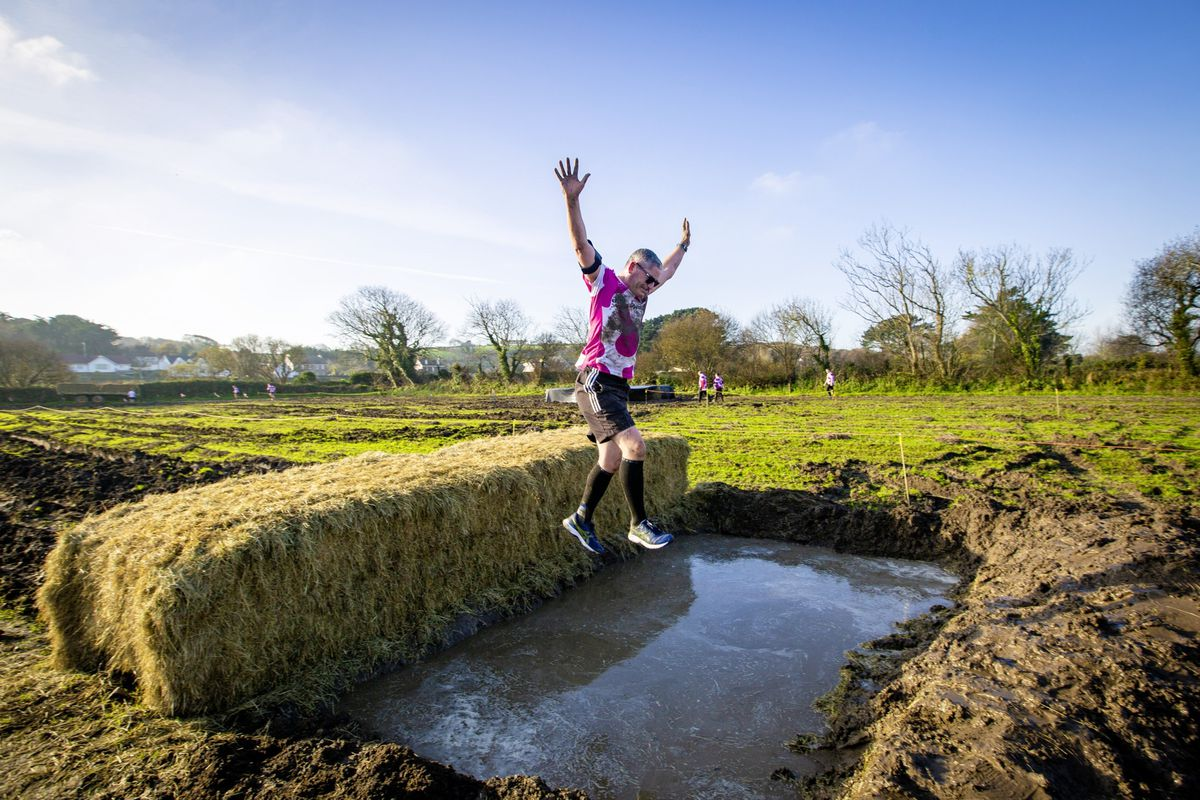 Picture by Sophie Rabey.  29-11-20. Muddy Cow Fun Run Vazon/Grande Mare. (28963042)