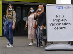 Unvaccinated students urged to get Covid shot during freshers' week