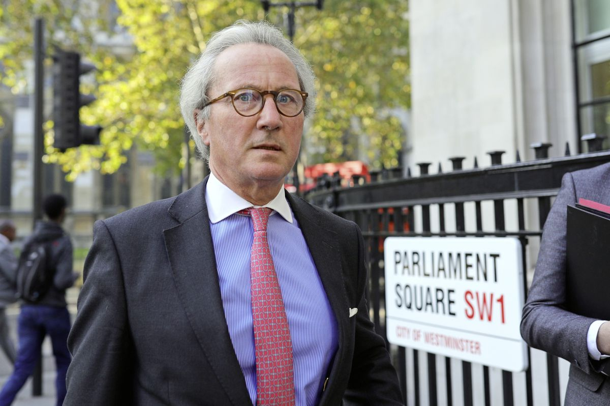 The UK's senior law officer, Lord Keen, who is also the UK minister with responsibility for the Crown Dependencies, has quit over the dispute to override parts of the withdrawal agreement. (28704828)