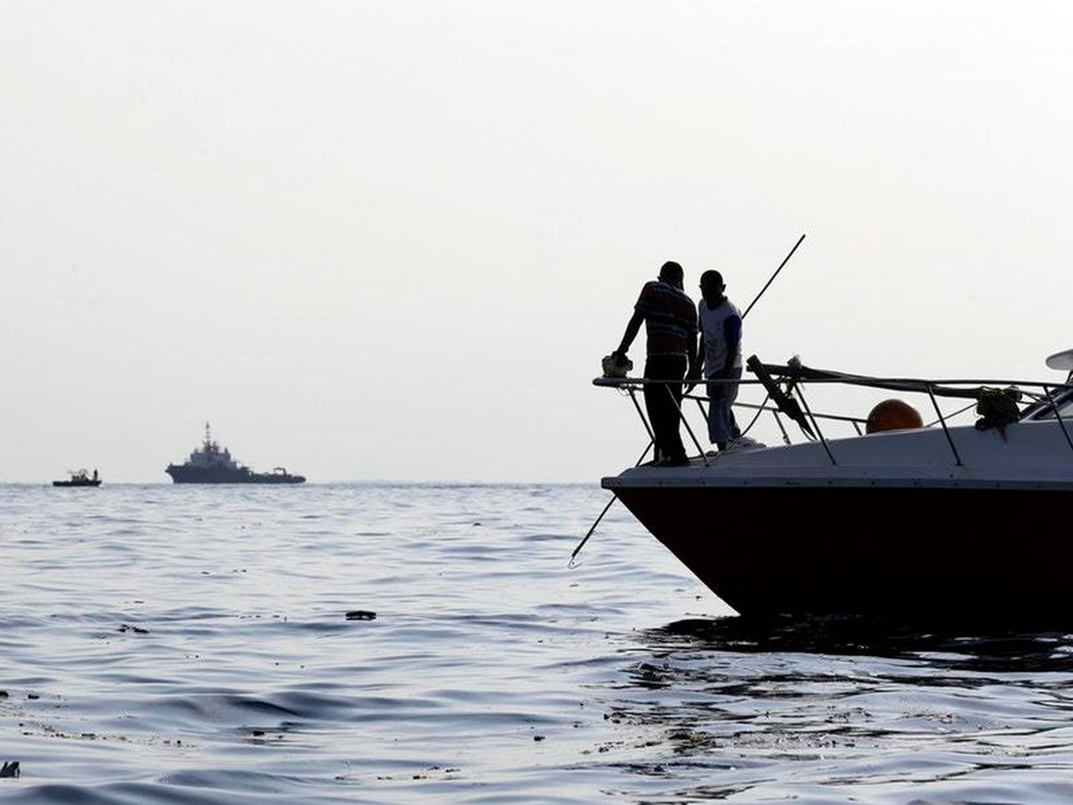 Indonesia plane crash search finds remains and debris at ...