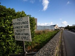 DPA reverses decision to vote in private on vinery