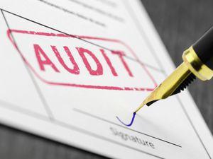 Auditing in the spotlight (Shutterstock). (28880791)