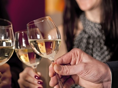 Deputies agree to abolish Christmas Day and Good Friday alcohol restrictions