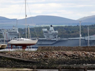 Captain of HMS Queen Elizabeth will not return to Portsmouth on board ship