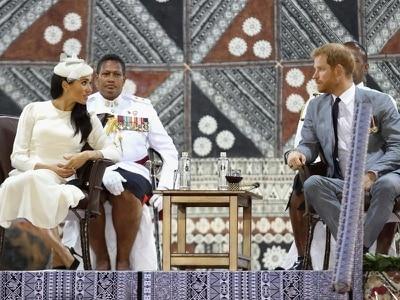 Harry and Meghan 'overwhelmed by warm Fijian welcome'