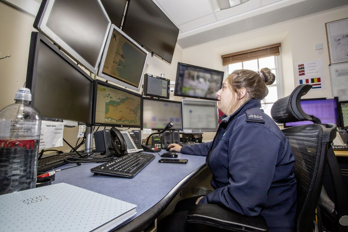 Picture by Sophie Rabey.  13-10-20..A day in the life of JESCC at the Police Station.  Joint Emergency Services Control Centre..Louise Hardy. (28810364)