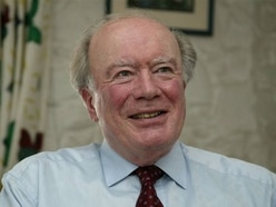 Tributes paid after former chief minister Laurie Morgan dies