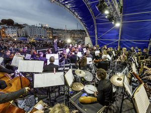 Picture By Chris George Photography. 09-09-18 Proms on the pier 2018...Must credit Chris George.... (28653272)