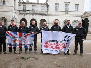 Harry makes surprise call to veterans on walking expedition