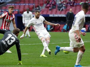 Karim Benzema leaves it late as Real Madrid earn draw with city rivals Atletico