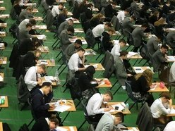 Disadvantaged teenagers more likely to score low GCSE grades
