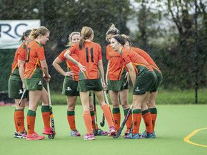 Guernsey Hockey - Cubs v Indies Ladies, Ladies Div 1 at Footes Lane. Indies discuss what short-corner routine they are going to use while the rain lashes down.Picture by Martin Gray, www.guernseysportphotography.com, 31-10-20. (28865733)