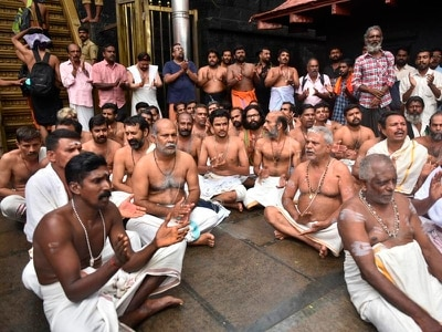 Hindu priests and protesters block women from pilgrimage site