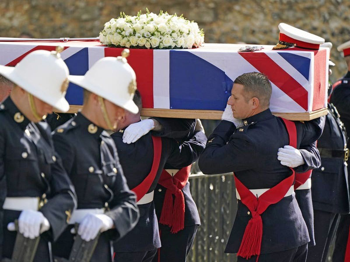 More than 700 mourners attend funeral of former head of the Royal Marines