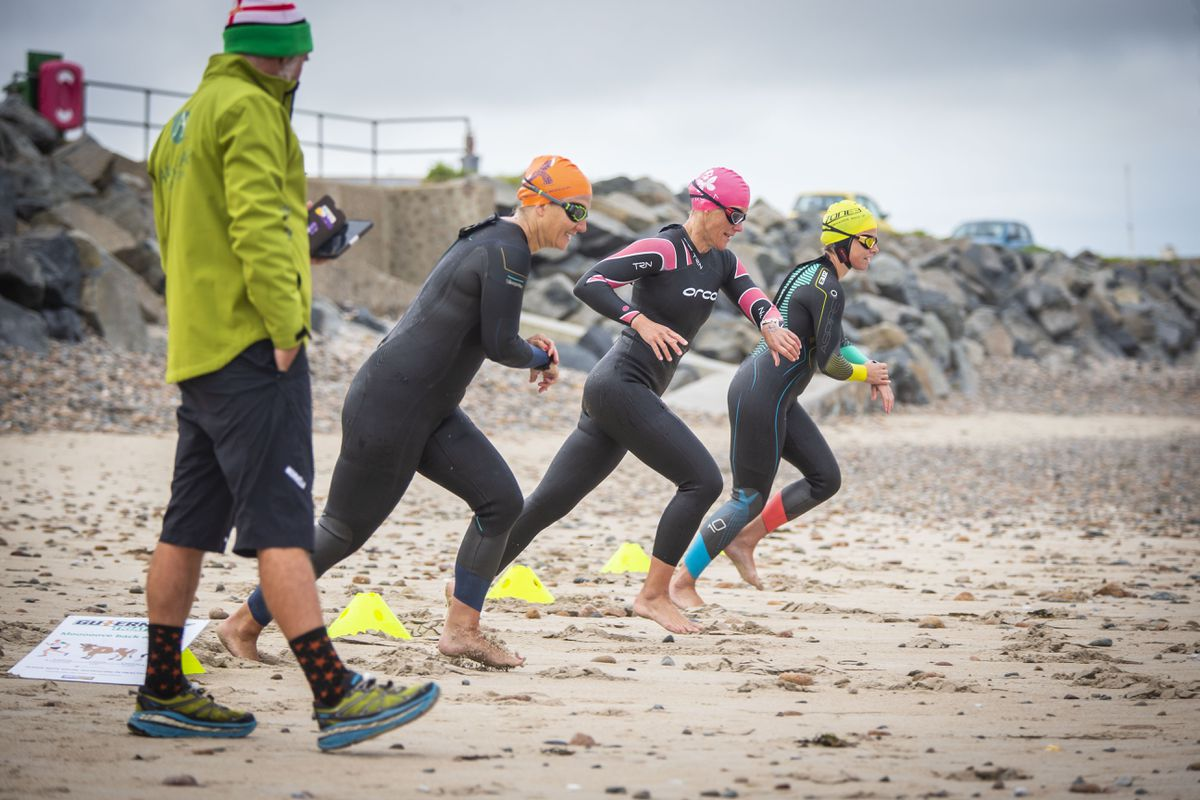 The wave start being used in last year's Grandes Rocques Super Sprint Triathlon, which was the first held post the island's first lockdown. (Picture by Sophie Rabey, 29269623)