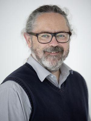 Simon De La Rue