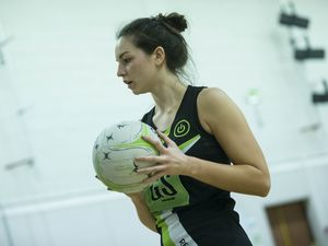 Picture By Peter Frankland. 03-04-19 Title deciding netball at Grammar School. Resolution IT v Blaze. (26083807)
