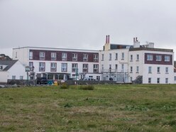 L'Eree Bay Hotel closed for good