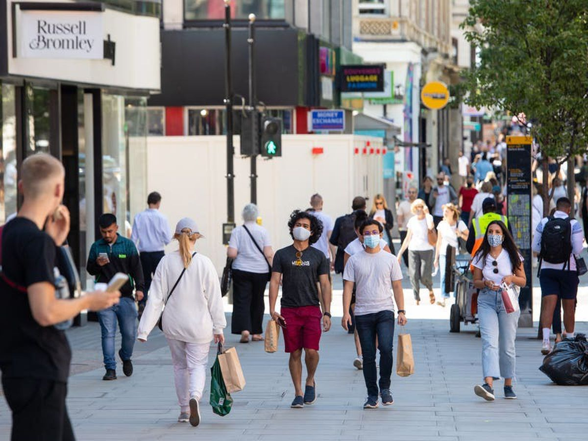 UK retail sales drop for fourth month in a row