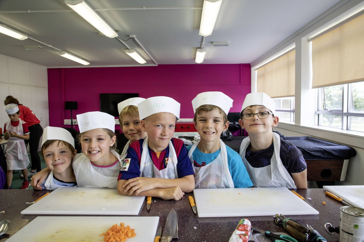 Picture by Sophie Rabey.  05-08-19.  Youth Commissions Summer Playscheme is focusing on teaching children to eat well and learn more about sugar intake.. (25436946)