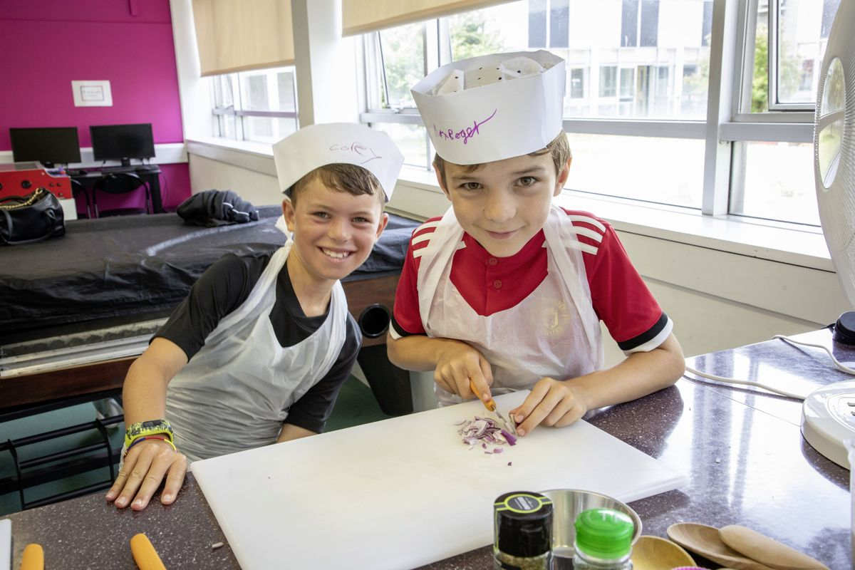 Picture by Sophie Rabey.  05-08-19.  Youth Commissions Summer Playscheme is focusing on teaching children to eat well and learn more about sugar intake.  Corey Henry and Max Roger.. (25436938)