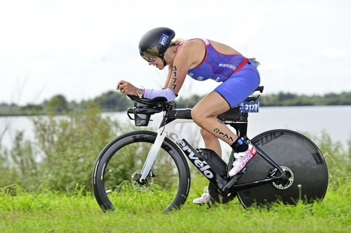 Andrea Nightingale on the bike leg in the Netherlands on her way to a world age-group title. (29986487)