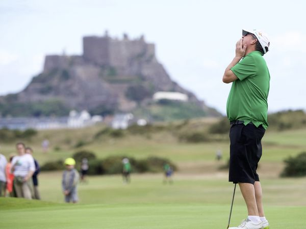 Inter insular golf at the Royal Jersey. Arthur Evans misses a sitter on the 10th Picture: JON GUEGAN. (29979710)