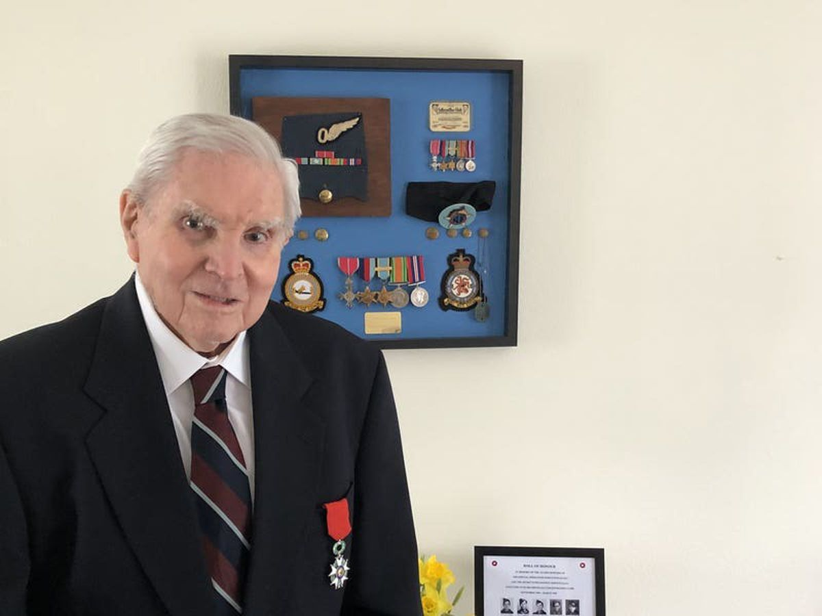 Veteran, 98, receives Legion of Honour medal for role in France's liberation