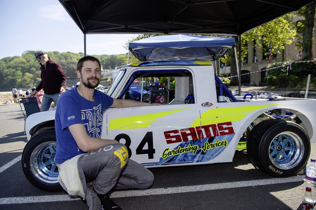 Chris Law lowered the Sports Libre G up to 1400 class record driving this Mini pickup special. (Picture by Andrew Le Poidevin, 29608044)